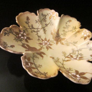 Oriental Scallop Bowl Gold Silver Porcelain Enameled Flowers
