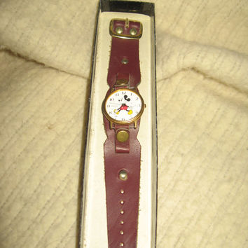 Vintage Disney Mickey Mouse Pulsar Watch 1989 unisex 70s leather cuff band unisex