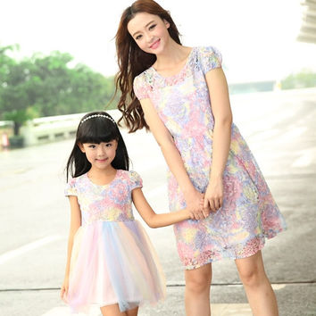 mother daughter dresses New Summer FAMILY Floral Lace Dresses Mummy Daughter Girl dress Kids Girls Party dress