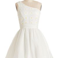 Daisies to Remeber Dress | Mod Retro Vintage Dresses | ModCloth.com