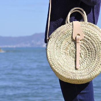 Round handmade straw bag - Medium size, Round french market basket, boho bag, round basket, beach bag, french market basket, straw bag