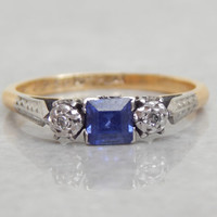 vintage engagement ring - sapphire and diamond 3 stone ring in 18ct gold and platinum - vintage 1950s