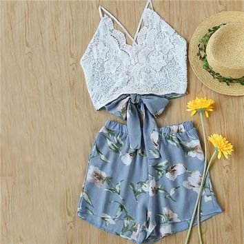 Lace Panel Crisscross Bow Tie Back Halter Crop Cami Top With Floral Shorts