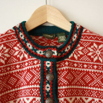 LL Bean Scandinavian Fair Isle Merino Wool Sweater Red White Green Womens