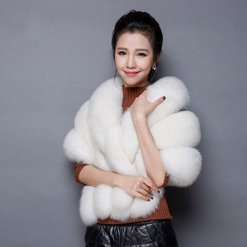 2016 Bridal Shawl Fur Stole Faux Fur Wrap Wedding Winter Cape Wedding Shawl White Fur Cape 1.4M Winter Bridal Cloak Bolero