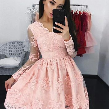 Pink Lace V-neck Long Sleeve Homecoming Dresses with Applique Tulle Cocktail