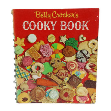 Betty Crocker's Cooky Book Vintage Cookie Cookbook Sweets Dessert Baking Recipes Retro 1960s Kitchen Decor Housewarming Bakers Gift Cooking