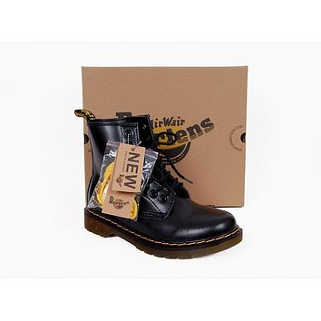 2017 model1460 20 dr martens classic 8 holes high top men women boots color black