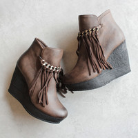 sbicca vintage collection zepp wedge fringe ankle bootie - brown