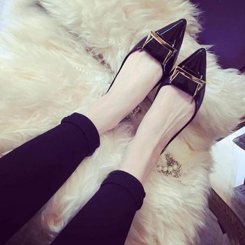 Butterfly Flat Metal Pointed Toe Shoes [9448881415]