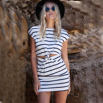 Spring New Brand Fashion Women Sleeveless Cut Out Twisted Knot Casual Bodycon Dress Women Summer Striped Dress Beach Dress