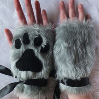 Cute Grey Furry Wolf Fox Dog Neko Cat Paw Print Faux Fake Fur Fingerless Gloves Wrist Warmers Halloween Costume Cosplay Festival