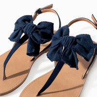 Basic sandal with bow