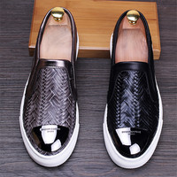 2017 Hot Selling Fashion Men's Loafers Flats Shoes Genuine Leather Slip on Leisure Shoes Man Casual Driving Shoes