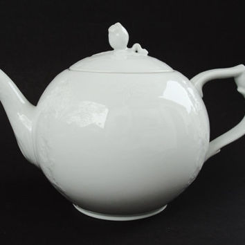 Kaiser Porcelain DUBARRY Teapot. All White.