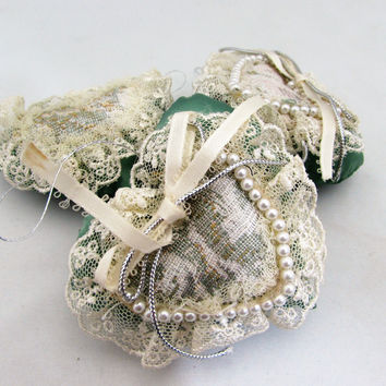 Vintage Heart Ornaments Green Lace