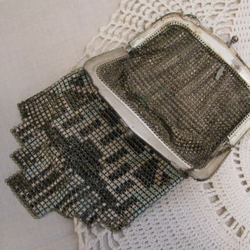 Vintage 1920's Whiting & Davis Mesh Art Deco Enameled Flapper style evening bag