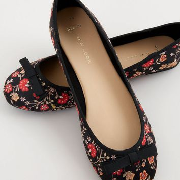 Wide Fit Black Floral Print Ballet Pumps | New Look