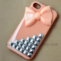 Light Pink Iphone 4 case, Iphone 4S case, Silver stud Iphone 4 case with light Pink bow, Fit for Iphone 4, Iphone 4s, Iphone 4g
