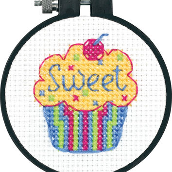 "Learn-A-Craft Cupcake Counted Cross Stitch Kit-3"""" Round 11 Count"