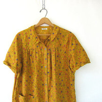 Vintage golden yellow floral house dress. snap front lounge dress. Long Tunic. Nightgown dress. Sleepwear. Pajama top House day dress