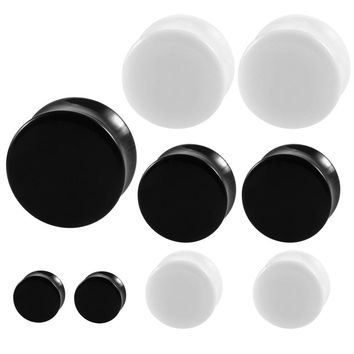 2pcs Acrylic Ear Plugs and Tunnels Black White Simple Earring Gauges Piercing Curved Saddle Ear Expander Rings Body Jewelry
