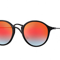 Ray-Ban ROUND FLECK FLASH LENSES GRADIENT Black , RB2447 | Ray-Ban® USA