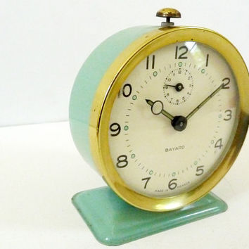Vintage alarm clock by Bayard 1950 / Mechanical / IN WORKING CONDITION