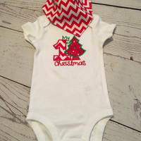 Christmas Baby Onesuit,Bandana Bib,Reversible,Gender Neutral,Baby's First Christmas,Christmas Outfit,Monogramed,Baby Gift,Unisex Baby Clothes