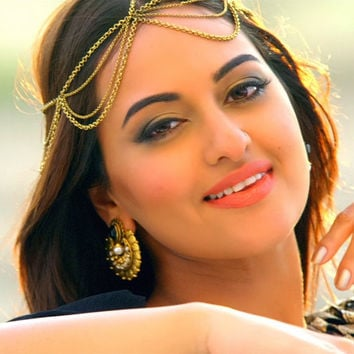 Sonakshi Sinha multi layer chain headpiece gold finish stunning headband headpiece indian bridal brides arabic