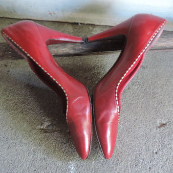 Vintage Bruno Magli Shoes Red Burgundy Leather High Heel Pumps Womens Size 37 EU Made in Italy