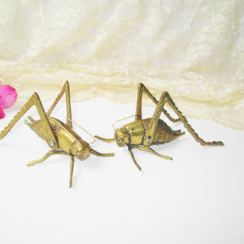 Gold Brass Cricket Large Grasshopper Figurine Paperweight Vintage Metal Insect Bug Figure Nature Good Luck Bookworm Home Decor Gardener Gift