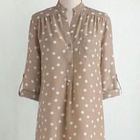 Long 3 Hosting for the Weekend Tunic in Taupe