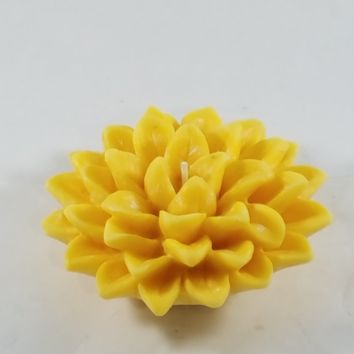Natural Palm Wax Floating Lily Candle