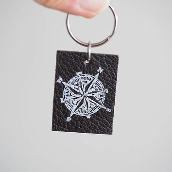 Key Chain for Men, Leather Key Fob for Him, Traveller's Gift, Compass Keychain, 3rd Anniversary Gift for Husband