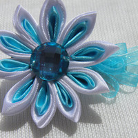 Kanzashi Hair Clip Cloud / Kanzashi Fabric Barrette / by Marywool