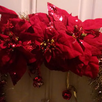 Gold and Red Jingle Wreath