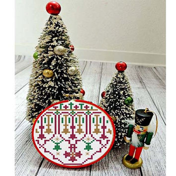 Modern Christmas Ornament #1 -  cross stitch patterns quick christmas gift crafting  - pdf chart pattern -  -INSTANT DOWNLOAD