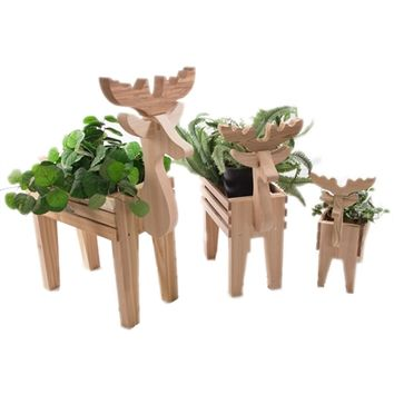 SheilaShrubs.com: 3 Piece Deer Family Cedar Planter Set RD42U-Set by All Things Cedar: Arbors & Trellises