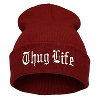 THUG LIFE Letter Embroidered Unisex Beanie Fashion 2pac Hip Hop Mens & Womens Knitted Wine Red & White Tupac Cuffed Skully Hat