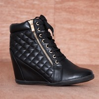 Forever Edge Of Tomorrow Faux Leather Gold Zipper Quilted Sneaker Wedges Gladys-25 - Black