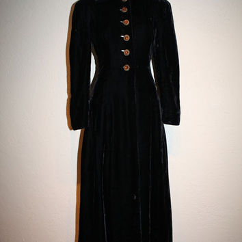 20% OFF PRE-SPRING Hms Titanic Sets Sail - Edwardian 1910 Black Silk Velvet Lady's Evening Coat/Opera Coat  - Stunning