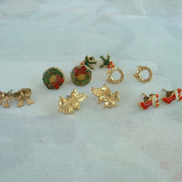 Lot of 6 Small Stud Holiday Earrings Red Stockings Wreath Bows Christmas Jewelry