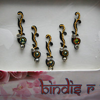 Eyebrow Curly Black Bindi Jewelry and Golden bead