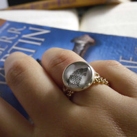 A Song Of Ice And Fire Game Of Thrones HBO Inspired Adjustable Silver Ring House Stark Image Direwolf