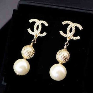 ONETOW Chanel Woman Fashion CC Logo Stud Earring Jewelry