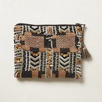 Quinquina Embroidered Pouch
