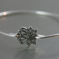 Lucky Lotus modern thin Bangle