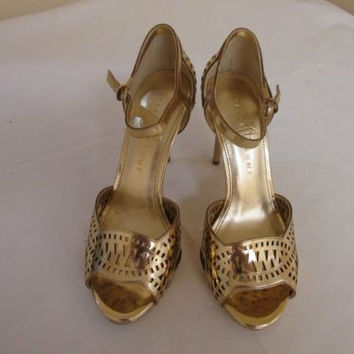 IVANKA TRUMP Ariel Cut-Out Gold Leather Pumps Stilletto High Heels