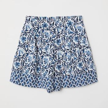Patterned Shorts - White/blue floral - Ladies | H&M US